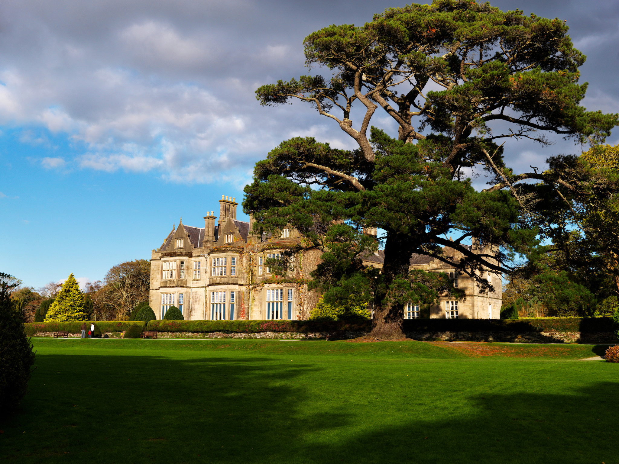 Discover Kerry | Killarney | Muckross House and Gardens