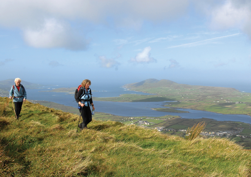 Discover Kerry | Killarney | Walking along the waw in Kerry